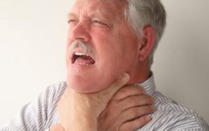 опух язык и задыхаюсь