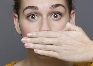Что предпринять, если отекают губы при аллергии?